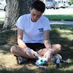 In Social Thinking, students make tie-dye t-shirts